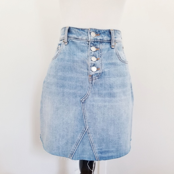 Old Navy Dresses & Skirts - Old Navy High-waisted Light Denim Wash Skirt
